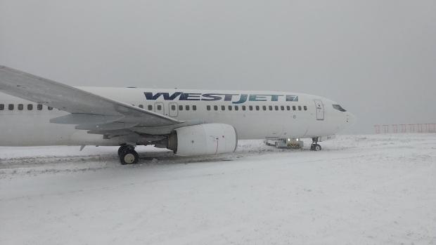 Самолет Boeing 737-800 авиакомпании WestJet, выполнявший рейс WS248, потерпел аварию после посадки на взлетно-посадочную полосу 14 в Международном аэропорту Галифакс-Стэнфилд, Канада.